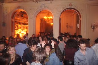 Le Carmen - Cocktail Bar in Paris.