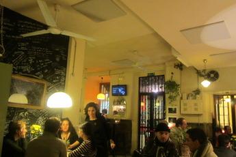 Café de la Luz - Bar | Café | Lounge | Tea House in Madrid.