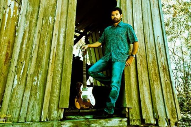 Photo of Tab Benoit