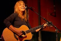 Rickie-lee-jones_s210x140