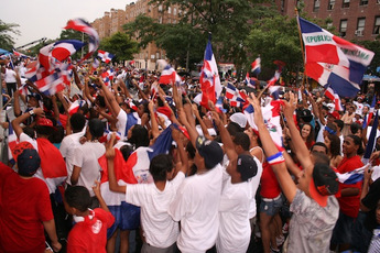 La Gran Parada Dominicana del Bronx 2014 - Parade in New York.