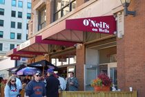 O'Neil's on Wells - American Restaurant | Bar | Pizza Place | Sports Bar in Chicago.