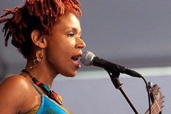Carmen Souza