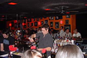 Circle Bar - Bar in Los Angeles.