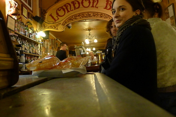 London Bar - Historic Bar in Barcelona.
