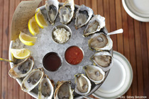 L&E Oyster Bar - Oyster Bar | Seafood Restaurant in Los Angeles.