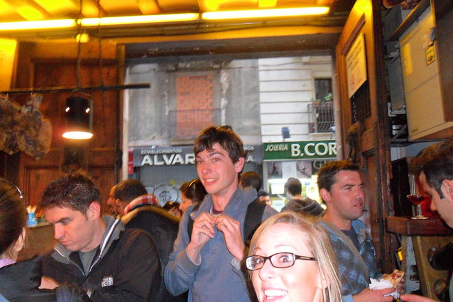 Photobombing the Best Bars & Clubs Around the World - 7 of 10