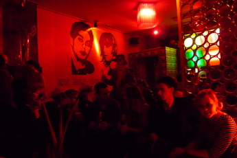Zu mir oder zu dir - Bar | Lounge in Berlin.