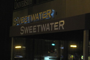 Sweetwater Tavern and Grille - Restaurant | Sports Bar in Chicago.