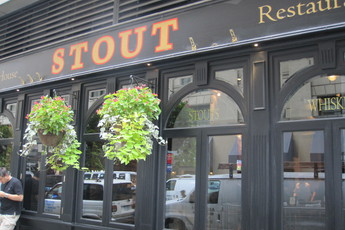 Stout Nyc Chelsea Flatiron New York Party Earth