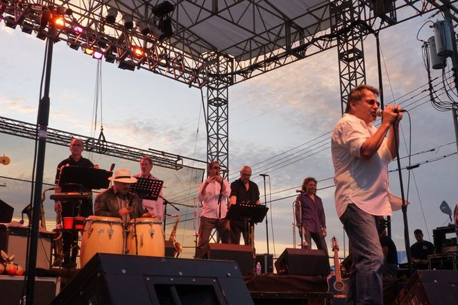 Photo of Southside Johnny and the Asbury Jukes