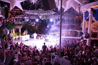 Es Paradis San Antonio Ibiza Party Earth