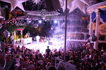 Es Paradis - Club in Ibiza.