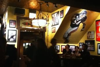 The Lion Head Pub - Restaurant   Sports Bar in Chicago.