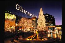 Ghirardelli Square Tree Lighting Ceremony - Holiday Event in San Francisco.