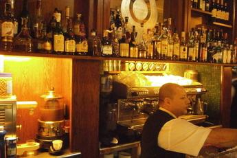 Cafè de l'Òpera - Coffee Shop | Historic Bar | Historic Restaurant in Barcelona.
