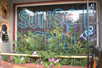 Sunset Grill & Tap - Bar | Restaurant in Boston.