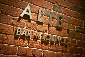 Alibi - Hotel Bar | Lounge in Boston.