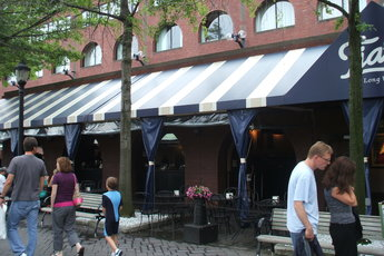 Tia's On the Waterfront - Bar | Restaurant in Boston.