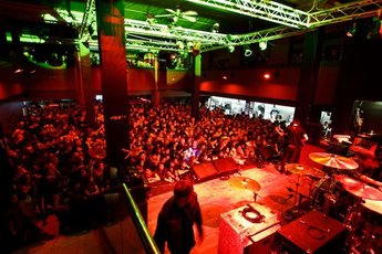 Mojoes (Joliet, IL)  - Concert Venue in Chicago.