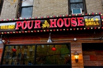 Village Pourhouse (Upper West Side) - Sports Bar in New York.