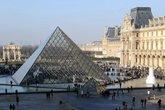Musée du Louvre - Museum in Paris