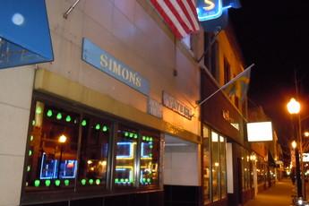 Simon's Tavern - Historic Bar | Pub in Chicago.