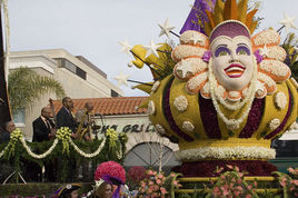 Rose-parade-float-decorating_s268x178