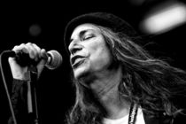Patti-smith_s210x140