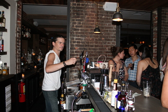 Singles Bars Upper East Side