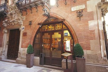 4Gats - Historic Restaurant | Bar | Spanish Restaurant in Barcelona.