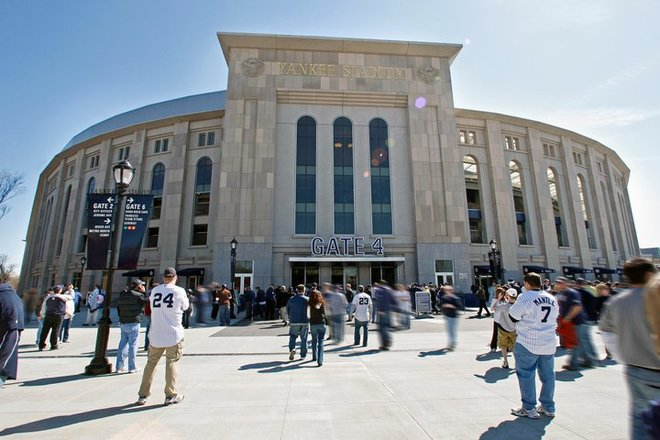 Photo of Cincinnati Reds vs. New York Yankees
