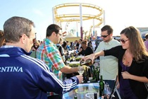 Drink-eat-play-wine-festival_s210x140