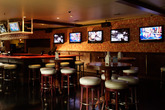 Busby&#x27;s East - Restaurant | Sports Bar in Los Angeles.