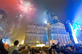 Massive New Year's Parties Around the World!