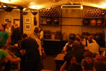 Ye Olde Cheshire Cheese - Historic Bar | Pub in London.