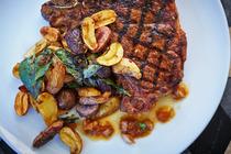 Cast Restaurant (Viceroy Santa Monica Hotel) - Restaurant in Los Angeles.