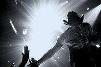 Tim-mcgraw_s210x140