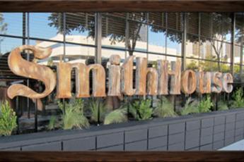 SmithHouse Tap & Grill - American Restaurant | Gastropub in Los Angeles.