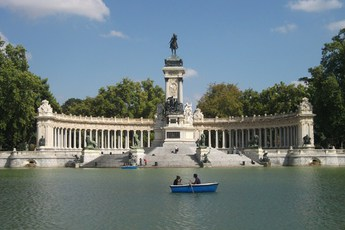 El Parque del Buen Retiro - Landmark | Outdoor Activity | Park in Madrid.