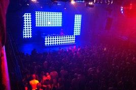 Berlin-030-party_s268x178