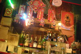 Li Po Cocktail Lounge - Dive Bar | Historic Bar in San Francisco.