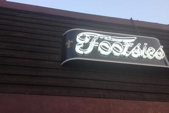 Footsie's - Dive Bar in Los Angeles.