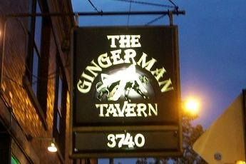 Gingerman Tavern - Dive Bar in Chicago.