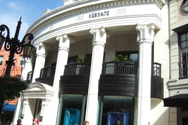 Even the outside of the Versace store on Rodeo Drive in Beverly Hills is beautiful!!
