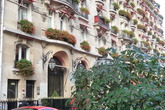Avenue Montaigne - Outdoor Activity | Shopping Area in Paris