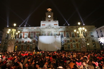 New year 39 s eve 2019 in madrid new year 39 s eve events for Uvas puerta del sol