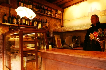 Al Mercá - Café | Wine Bar in Venice.