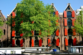 Amsterdam's Jordaan is simply one of the prettiest neighborhoods to visit during the summer.