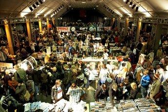 Nachtflohmärkte - Flea Market in Munich.